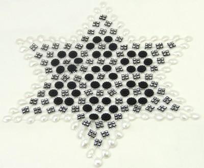 Diğer - Çiçek ve İnci Süslü Yıldız Şeklinde Kasnak İşi Taşlı Örtü Siyah 6 Parça