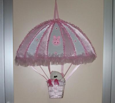 Diğer - Uçan Balon Şeklinde Ayıcıklı Kız Bebek Kapı Süsü Pembe