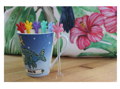 Diğer - 6lı Renkli El Figürlü Cam Çay Kaşığı Seti