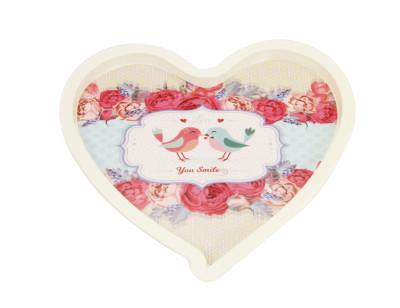 Diğer - Aşık Kuşlar ve Gül Baskılı Kalp Şeklinde Melamin Tepsi Krem