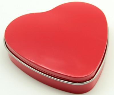 Bozkurt Kalp Şeklinde Metal Kutuda Mum Kırmızı - Thumbnail
