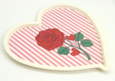 Diğer - Gül Desenli Kalp Şeklinde Melamin Tepsi Krem