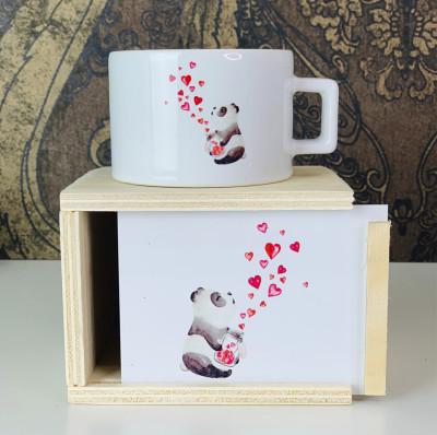 Diğer - Panda ve Kalpler Tasarımlı Ahşap Kutulu Kupa Bardak