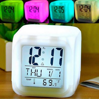 Renk Değiştiren Termometreli ve Alarmlı Dijital Küp Saat - Thumbnail