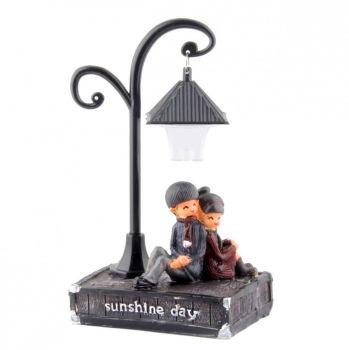 Sokak Lambası ve Romantik Aşıklar Işıklı Biblo