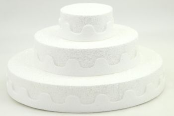 Üç Katlı Pasta Şeklinde Köpük Şeker ve Kurabiye Standı Beyaz